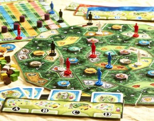 La Isla game close-up